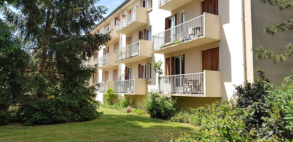 appartement-chaville-3piece-s-60-m2-balcon-calme-ecole-parking-libre